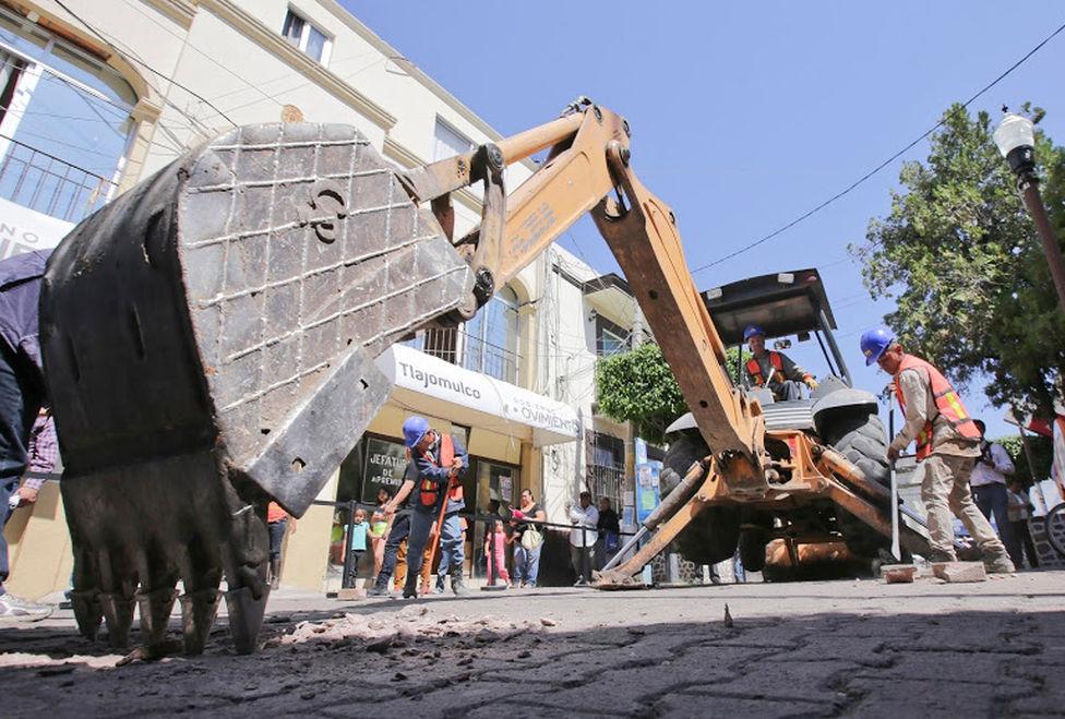 Gobernador Pone en marcha construcción de Zona 30 en Tlajomulco
