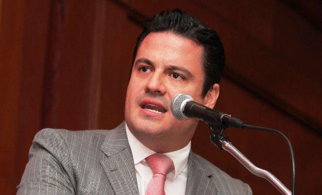 Llama Aristóteles Sandoval a municipios a cerrar paso a contenidos de violencia