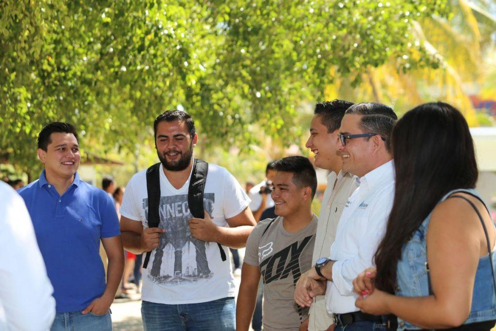Resaltan estudiantes del CUCosta respaldo de Seapal