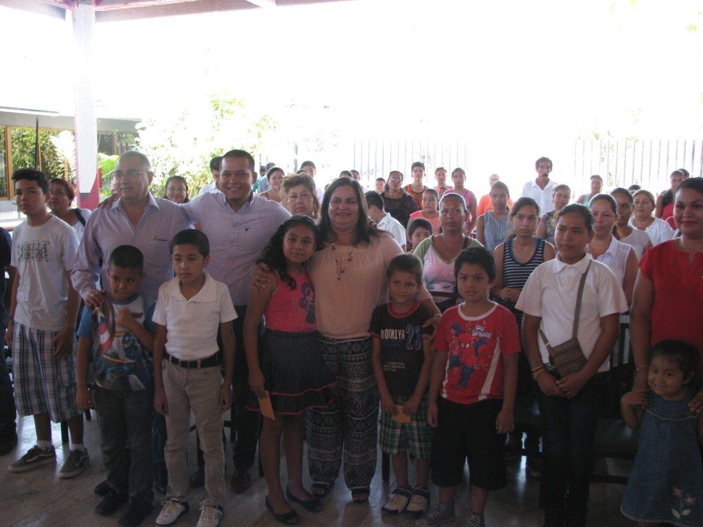 50 menores se benefician con