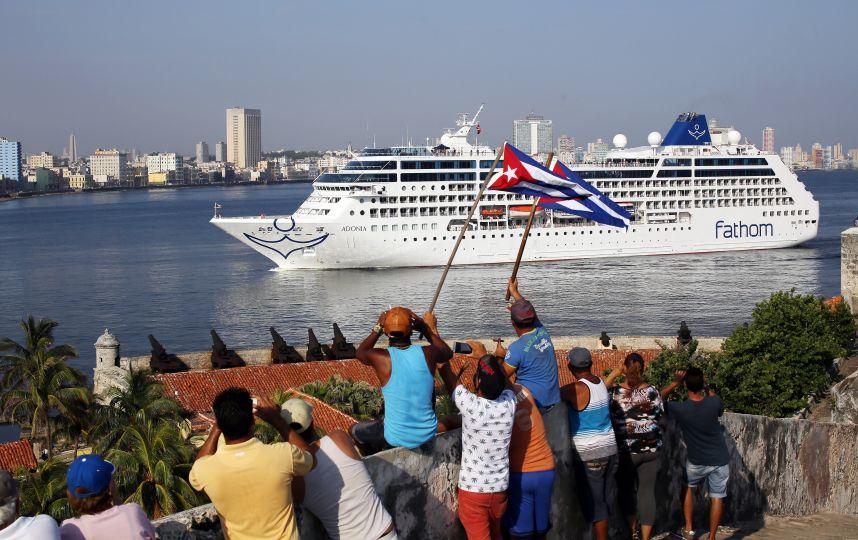 Zarpa primer crucero de EU a La Habana en medio siglo