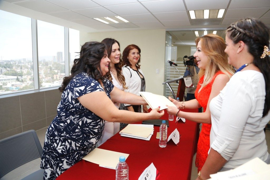 Entrega DIF Jalisco 5.5 mdp a delegaciones institucionales