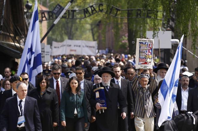 Marchan en Aschwitz en recuerdo a víctimas del Holocausto