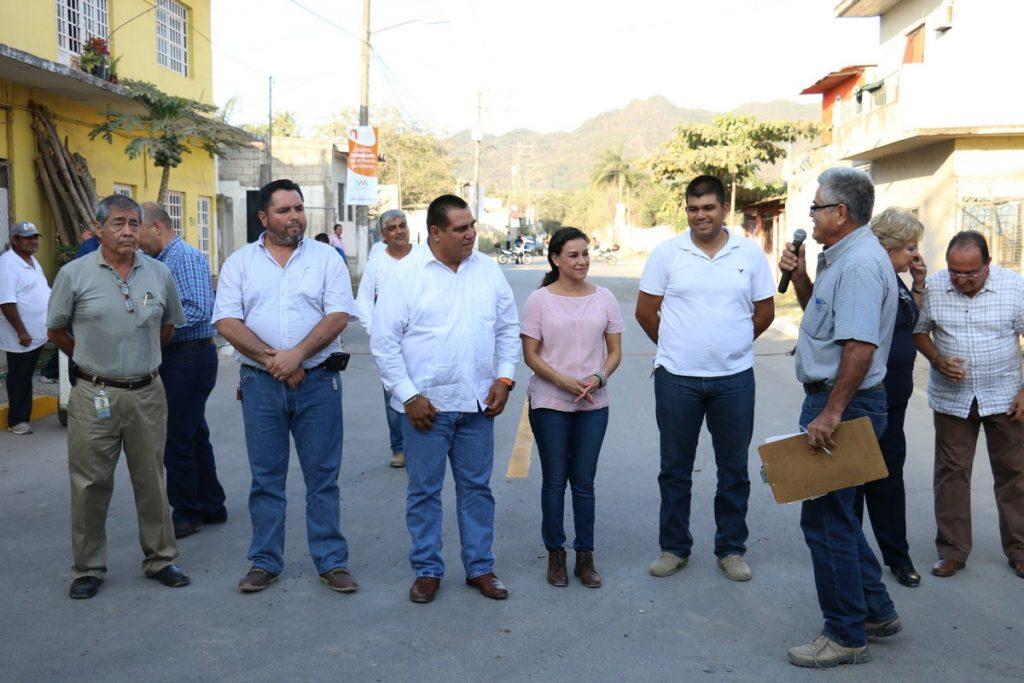 Mejoran vialidades en la colonia El Progreso