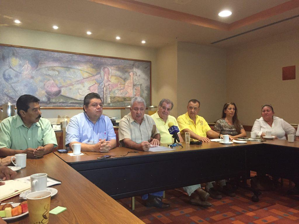 En contra empresarios de municipalización de Seapal sin sustento