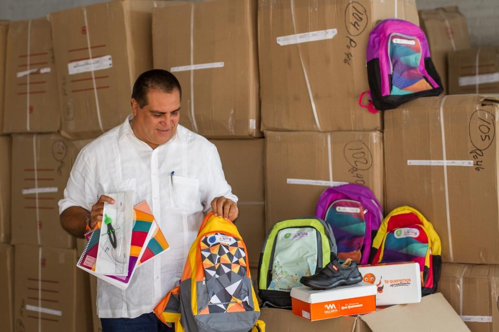 Gran ahorro es para padres de familia, la entrega de apoyos escolares