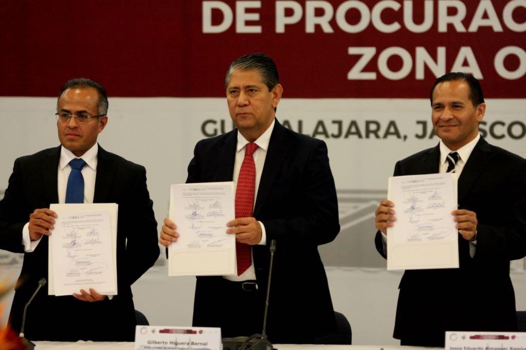 FGE y PGR acuerdan crear Red Nacional de Información Criminal