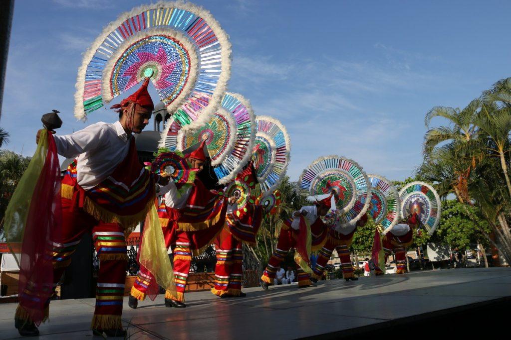Inaugura Candelaria Tovar la Feria de Comunidades Indígenas