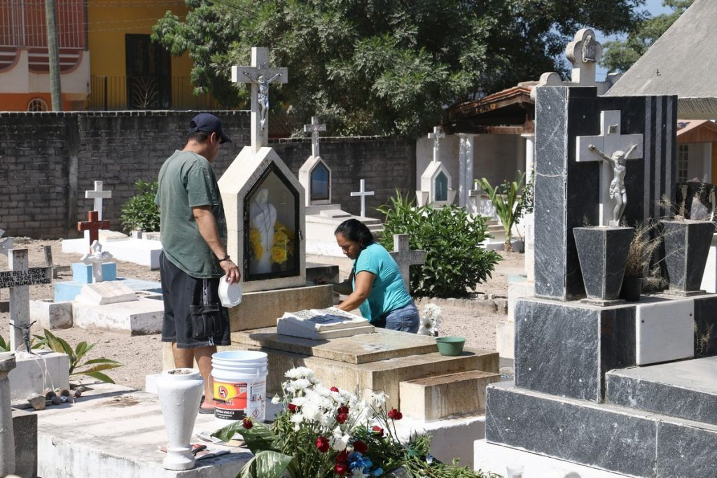 Suspenden funeral porque el muerto