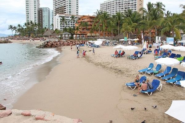 Confirma Enrique Alfaro cierre de playas en Jalisco y todo el país