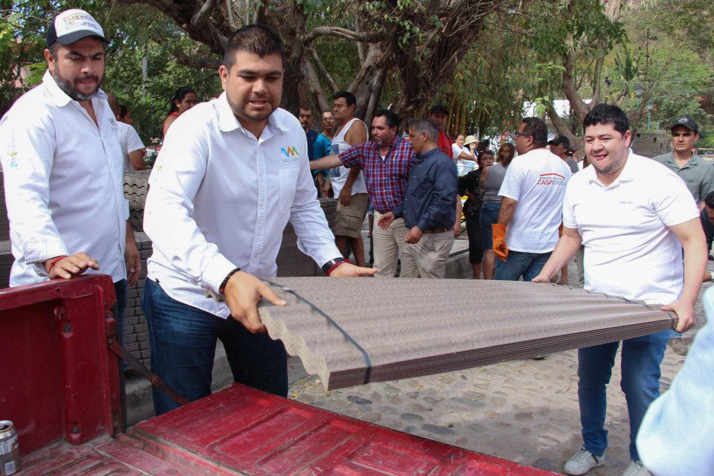 COMUNICADO 2495-Entrega apoyos Casa Digna-sectores 27 y 29-Col. El Caloso (6)