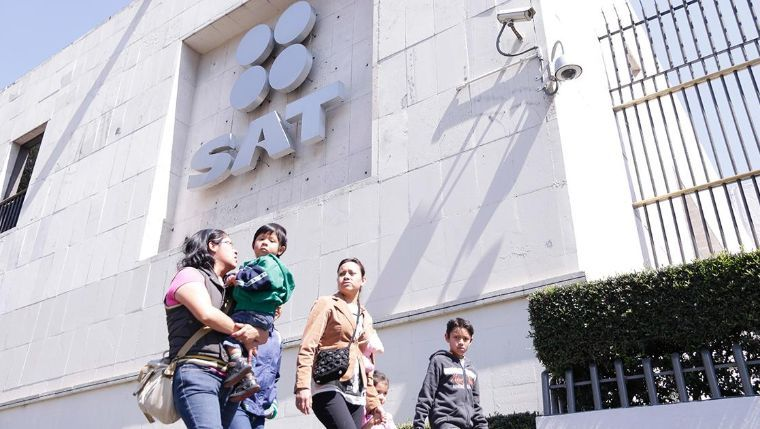Por corrupción, denuncia el SAT a más de 500 funcionarios públicos