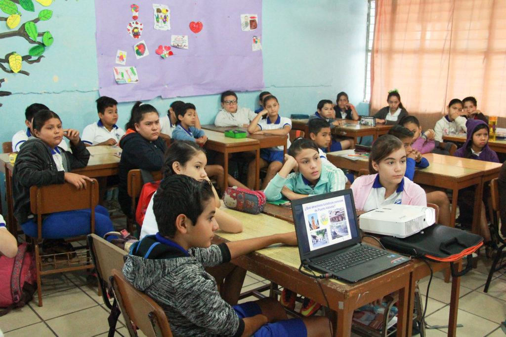 Uno de cada tres alumnos del mundo vuelve a la escuela: Unesco