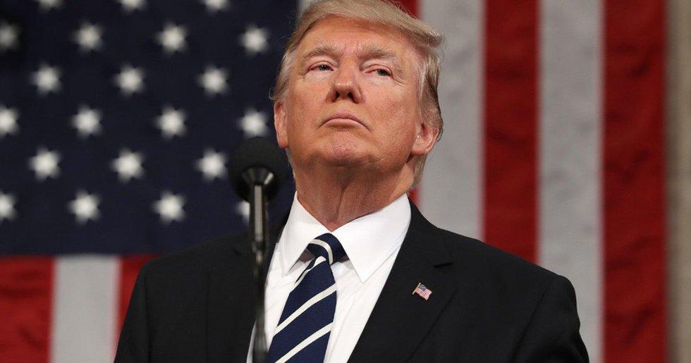 En medio de la pandemia, Trump suspende financiamiento a la OMS