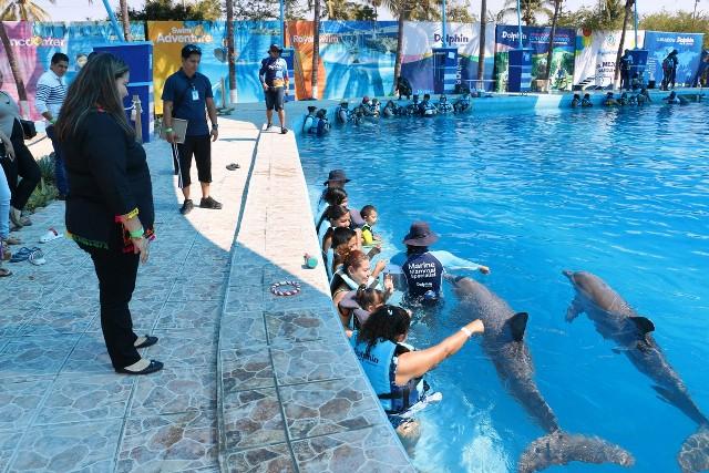 Reconoce presidenta de DIF apoyo de Aquaventuras Park
