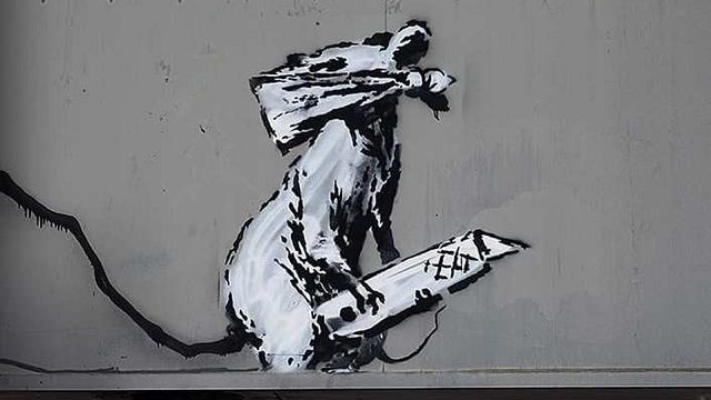 Roban obra de Banksy en el centro de París