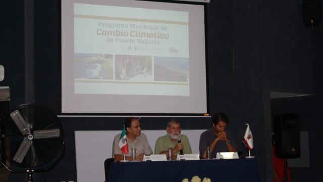 """""""Los Municipios Deben Tener Políticas Definidas, Ante el Cambio Climático"""": Dr. Jorge Téllez, Rector CUCosta"""