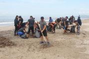 Intensas labores de limpieza en playas del puerto
