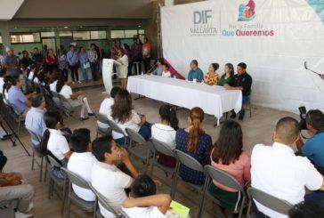 """Beneficia DIF a 100 niños con el programa """"Becas Padrino"""""""