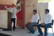 Sin multitudes, AMLO supervisa e inaugura obras en Bahía de Banderas