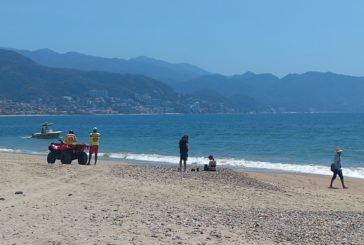 Playas vallartenses se muestran vacías tras su cierre