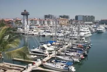 Marinos realizan homenaje a la Gente de Mar y personal médico de Puerto Vallarta