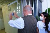 Alfaro entrega primeros Distintivos de Apertura de Establecimientos de Fase 0