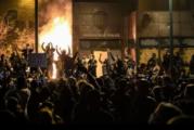 Prenden fuego en Minneapolis al cuartel de la policía