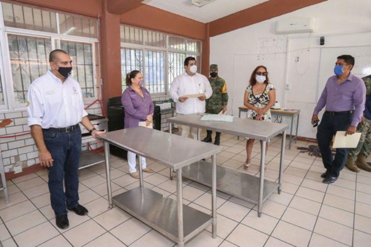 Supervisan autoridades instalaciones de refugios temporales