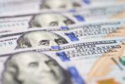 Precio del dólar hoy: Peso pierde tras pausa en ensayos de vacuna covid de J&J