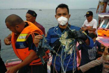Tras despegue, avión indonesio se estrella con 60 pasajeros