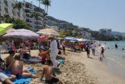 """Turismo nacional """"rescata"""" temporada vacacional en Puerto Vallarta"""