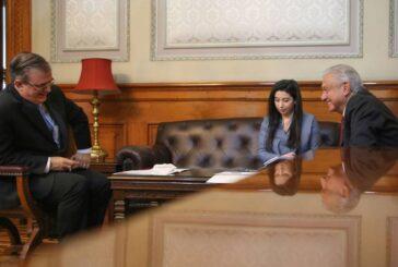 AMLO tiene primera llamada con Kamala Harris, VP de EU; hablaron de migración