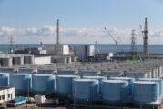 Japón se queda sin espacio para almacenar agua radioactiva... y planea arrojarla al Océano