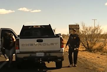 El oficial Darian marca el alto a traficante de drogas y es asesinado a tiros. Pasó en EU