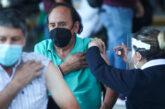 COVID en Jalisco: Recorte de puntos genera, otra vez, fila kilométrica para aplicar vacuna en el ITESO