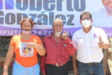 Sol a sol y de frente, Roberto González sigue haciendo campaña federal