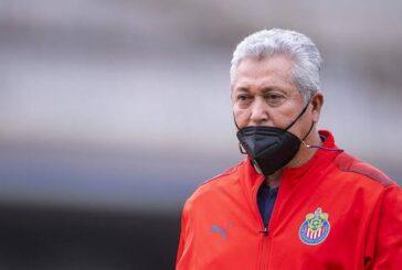 Víctor Manuel Vucetich deja de ser técnico de Chivas