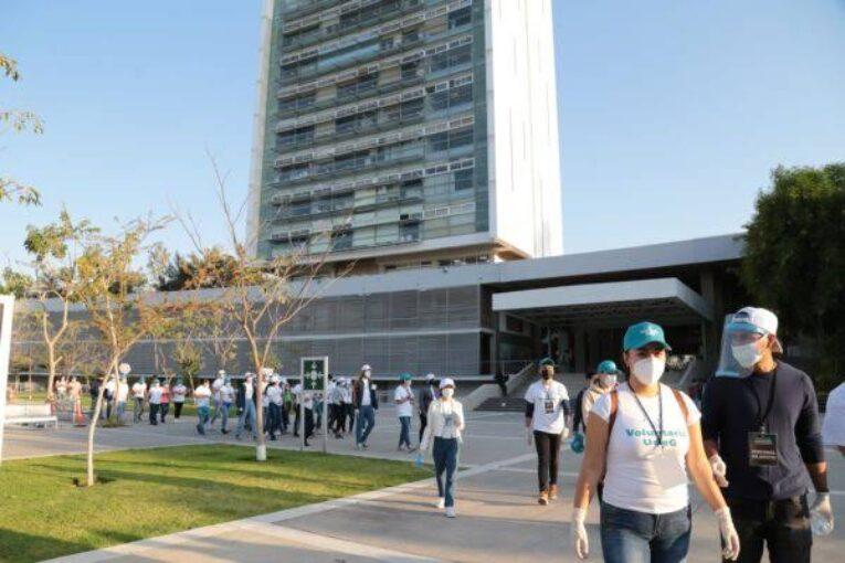 La UdeG convoca a cientos en caminata a Casa Jalisco contra recorte presupuestal